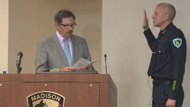 City officially swears in new police chief