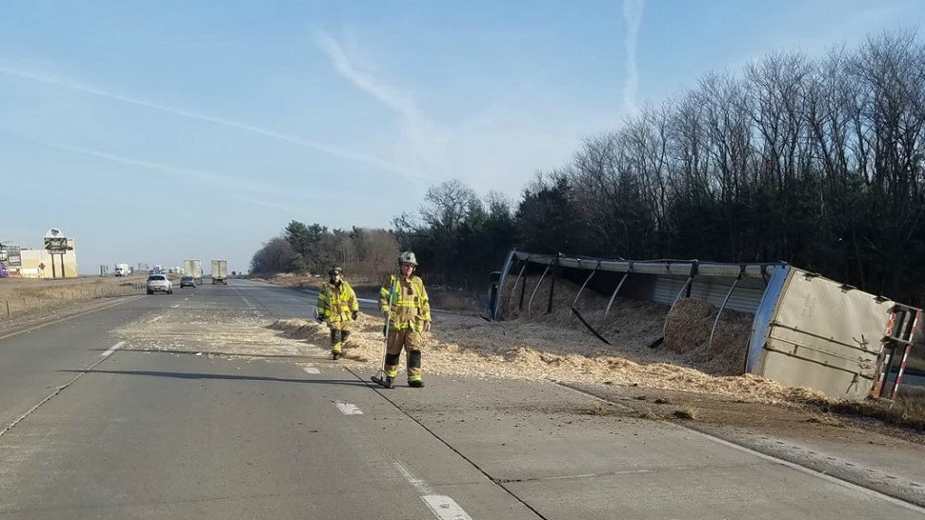 Fire department thanks drivers for being attentive during interstate crash response