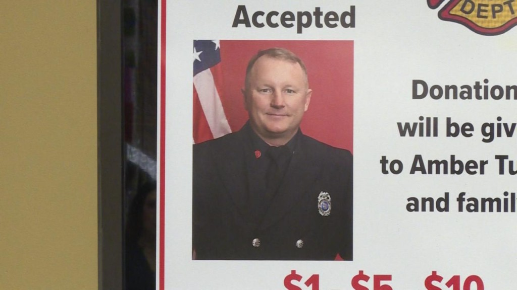 'It's an easy sell': Lake Mills Market fundraises thousands for late fire captain's loved ones