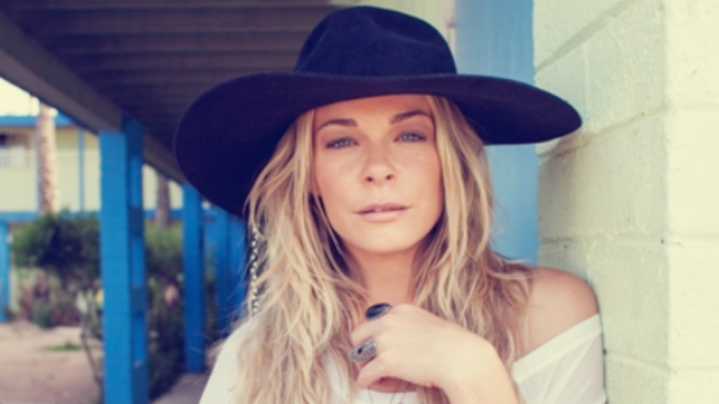 LeAnn Rimes to perform at fundraiser gala for Janesville Performing Arts Center