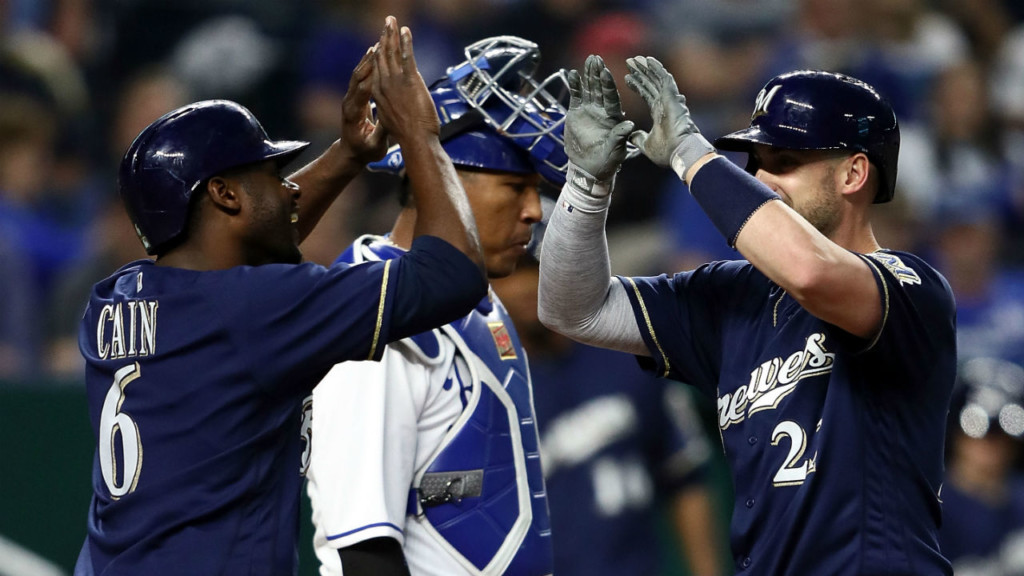 Brewers win, 5-1 over Padres