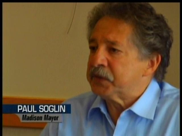 Soglin: Railroad company will work to avoid crossing delays