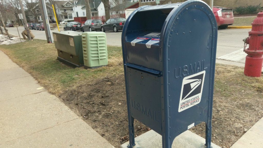 Postal Service reminds residents to keep sidewalks, stairs clear of snow, ice