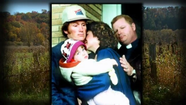 Couple explains iconic, emotional 1986 courthouse steps photo