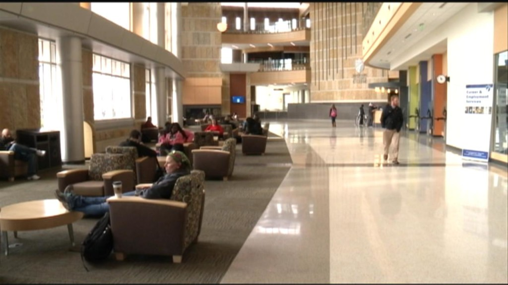 Wis. study: Community college students struggling to afford basics
