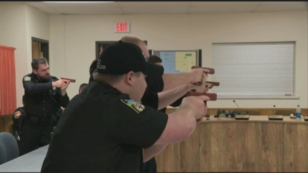 Lawmaker proposes change in use of force standards