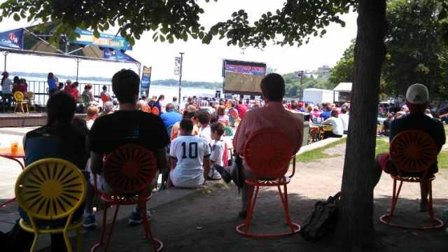 Fans gather to watch U.S. advance to next World Cup round