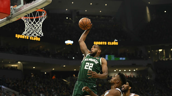 Bucks re-sign Middleton to max contract