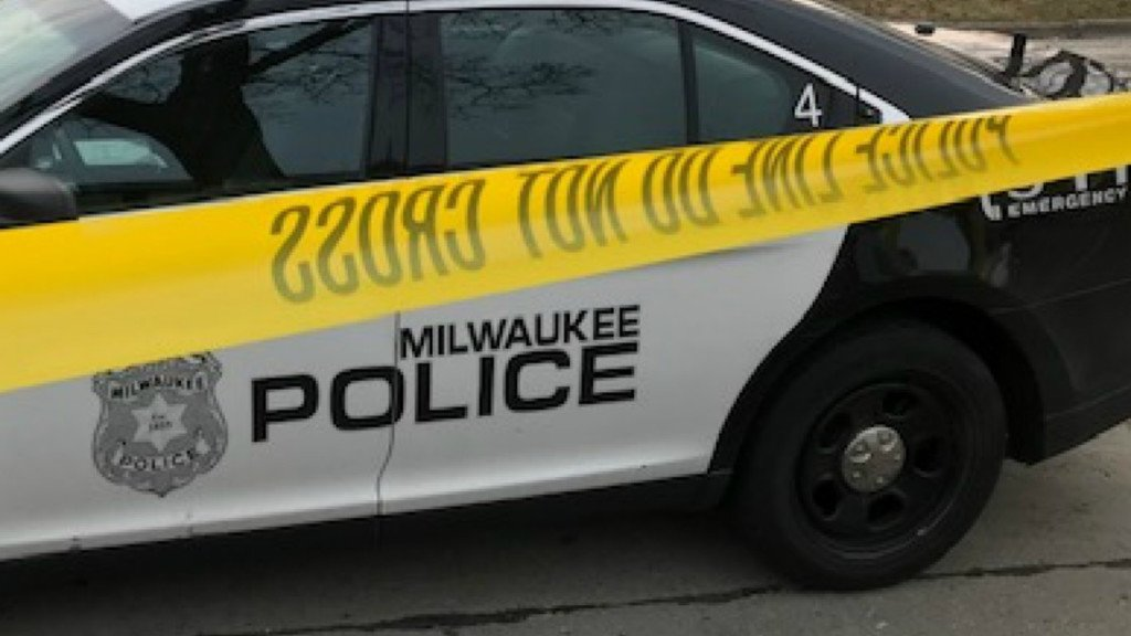 Milwaukee police shoot suspect after short pursuit