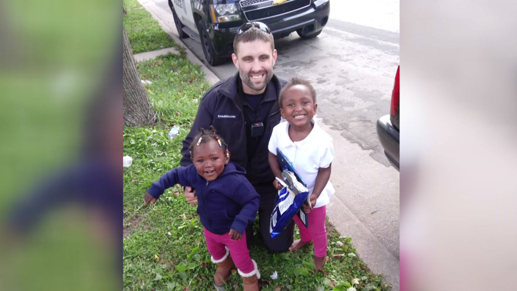 Milwaukee officer buys new car seats for mother he pulled over