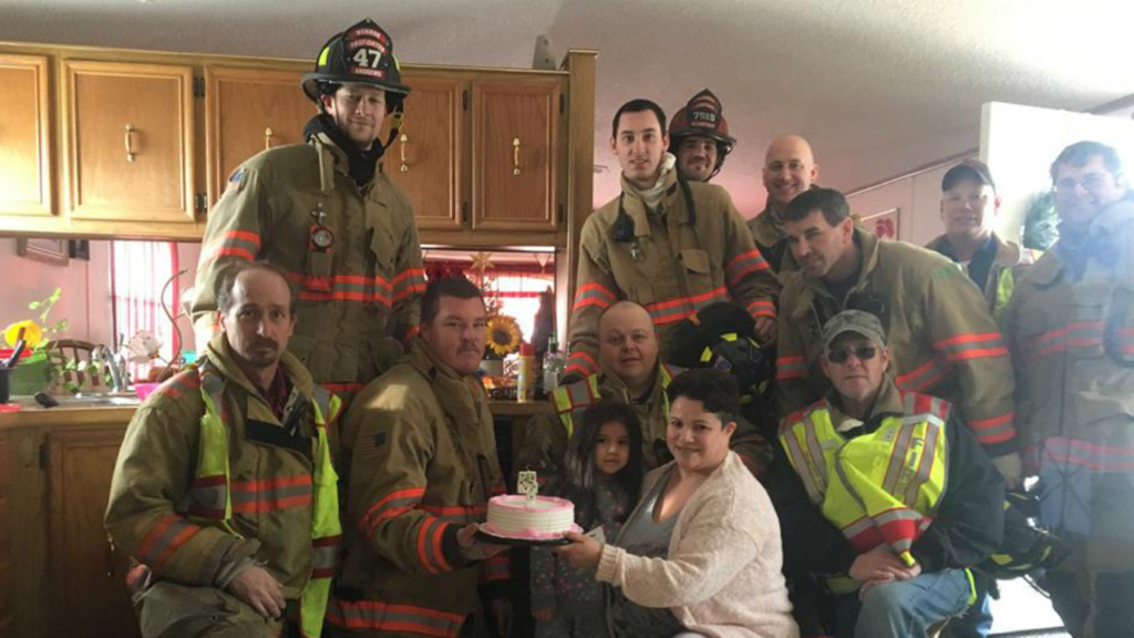 Firefighters make sure 4-year-old gets birthday cake after responding to stove fire
