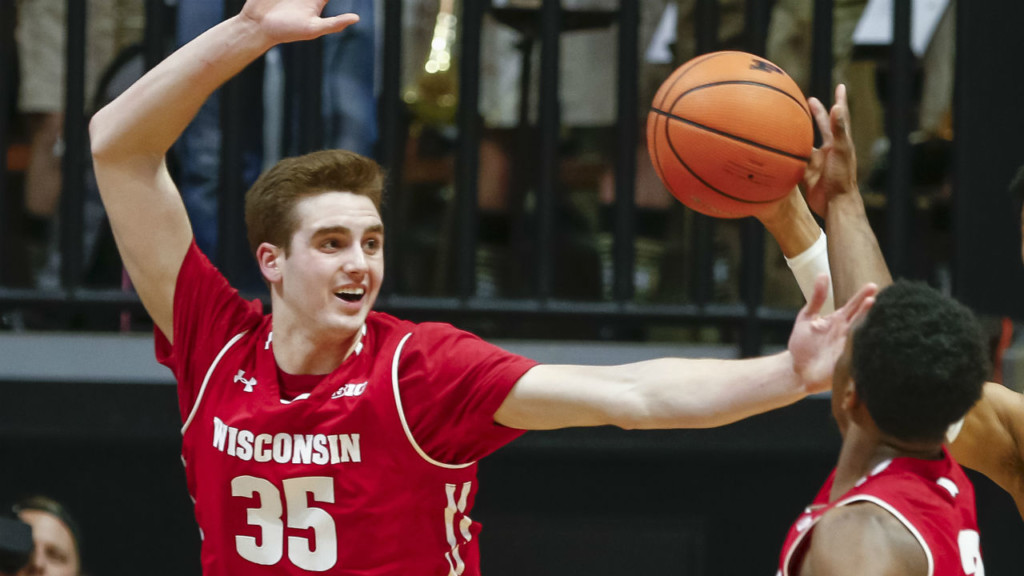 Badgers lose to Richmond, 62-52