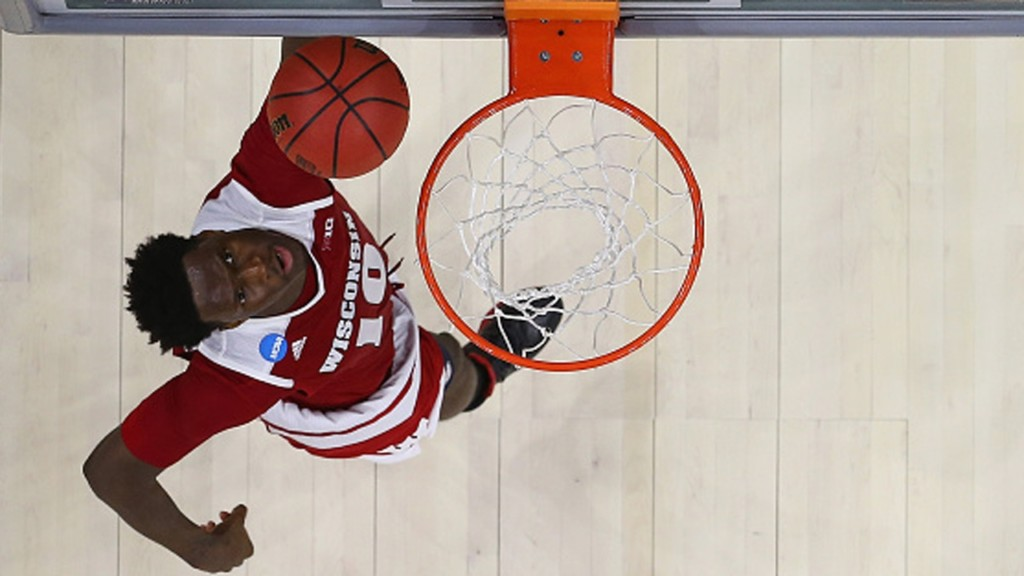 Nigel Hayes tells class of 2017 not to 'stay in their lane'