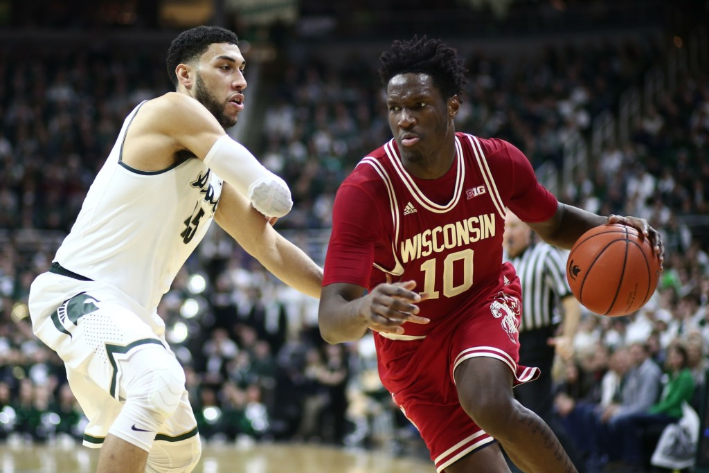 Wisconsin basketball ranked no. 9 in first AP poll