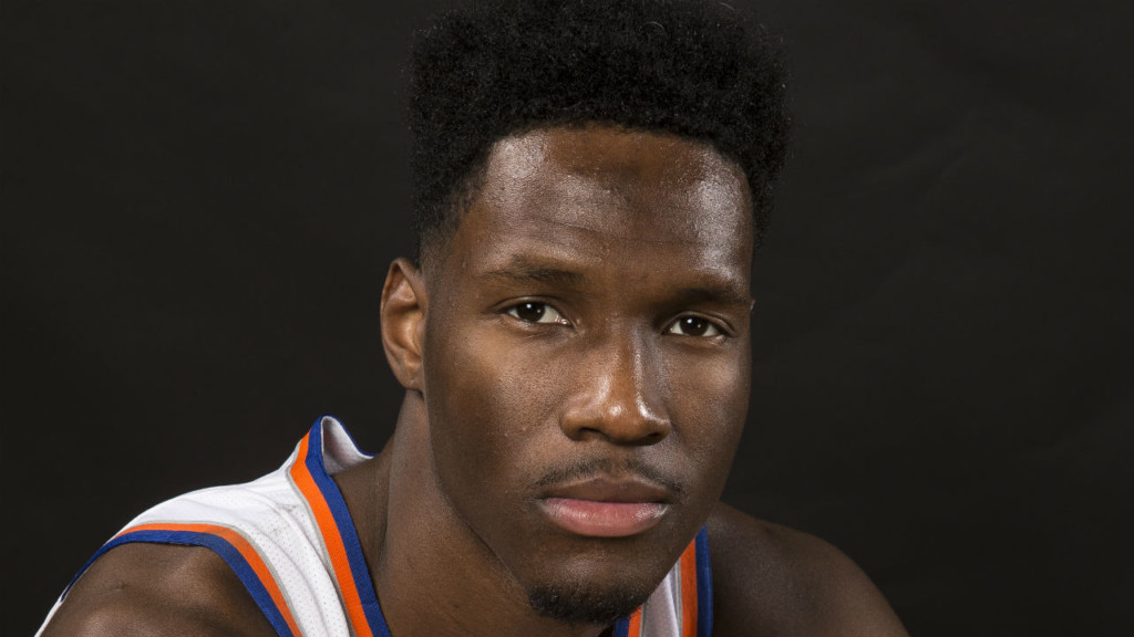 Nigel Hayes to sign with Lakers