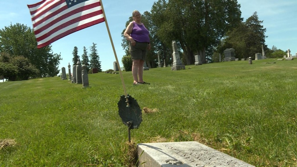 Police, families look for answers after flower thefts from veterans' graves