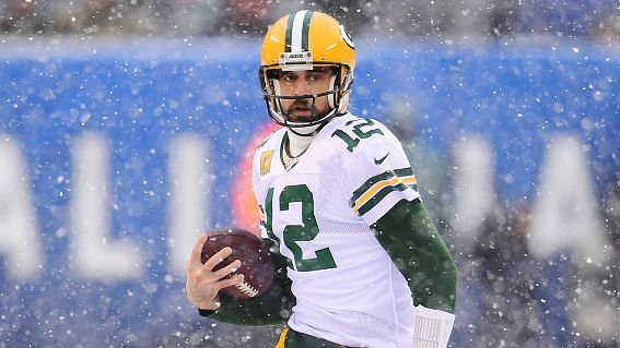 Packers shrink the Giants, improve to 9-3