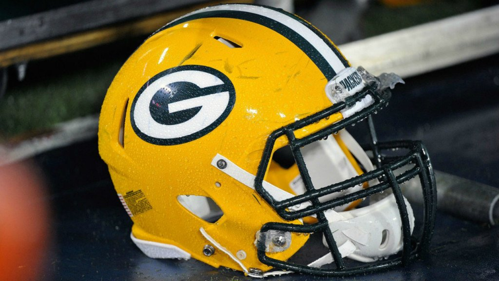 Packers hold off Broncos in the first half