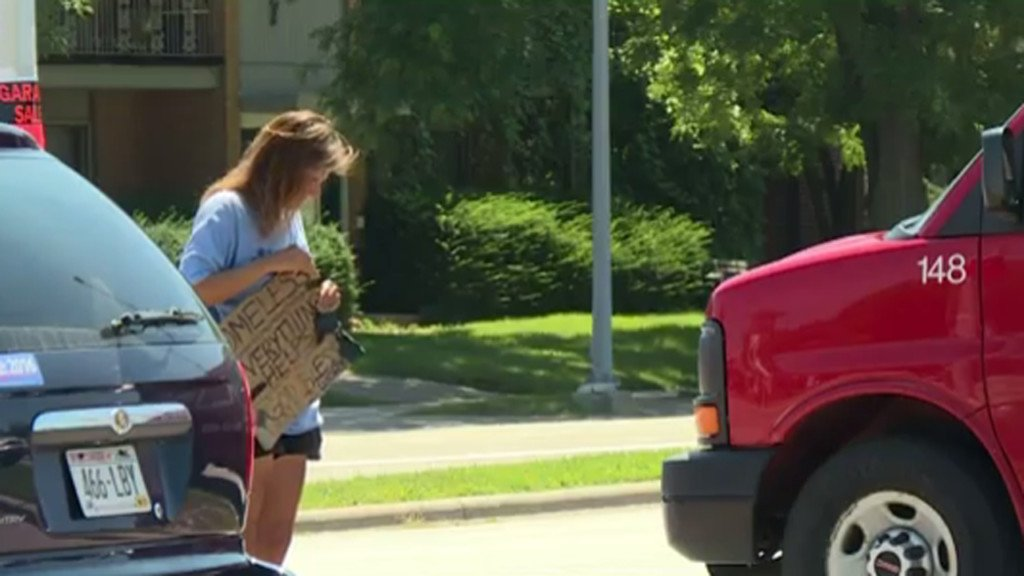 Sun Prairie police crack down on panhandling at busy roads