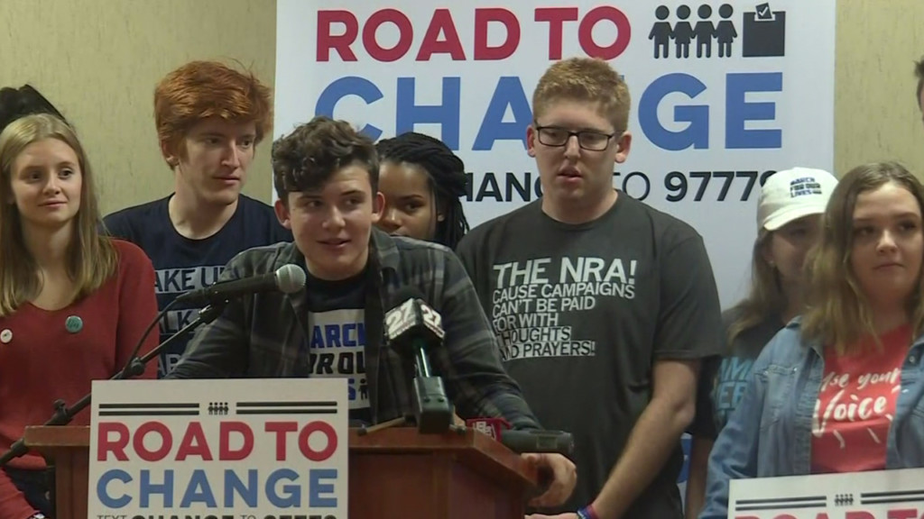 Parkland students march to Paul Ryan's office, team up with Wisconsin teens for rally