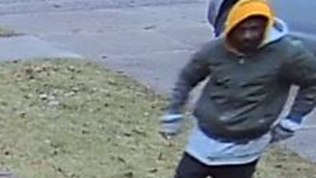 Police hope public can ID porch pirate caught on camera