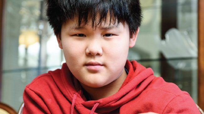 Middle school student is global chess legend