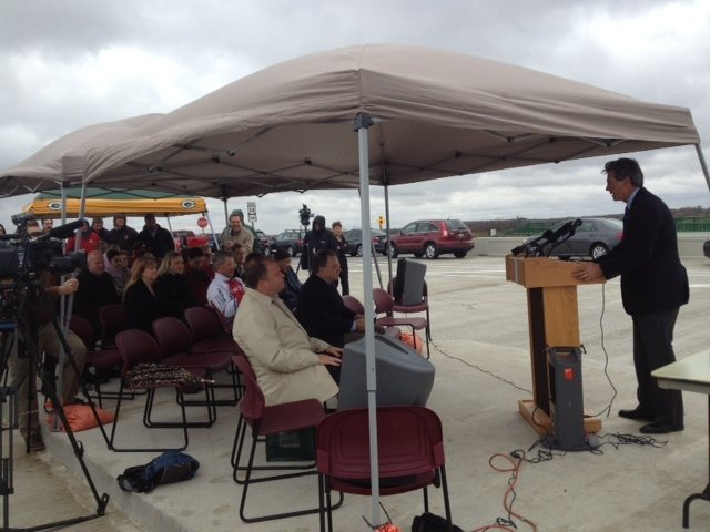 New interchange opens at Highway 14, Lacy Rd.