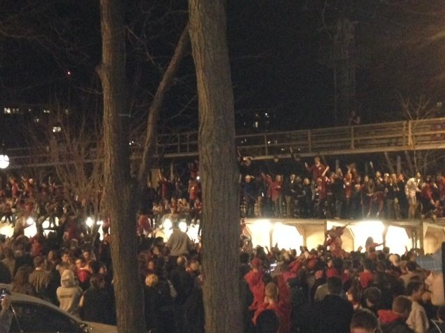 Thousands of Badgers fans storm State Street as team heads to Final Four