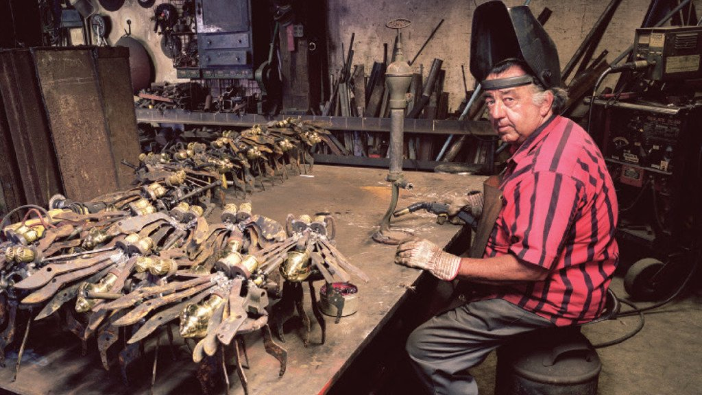 Retired director of Chazen Museum exhibits his photography