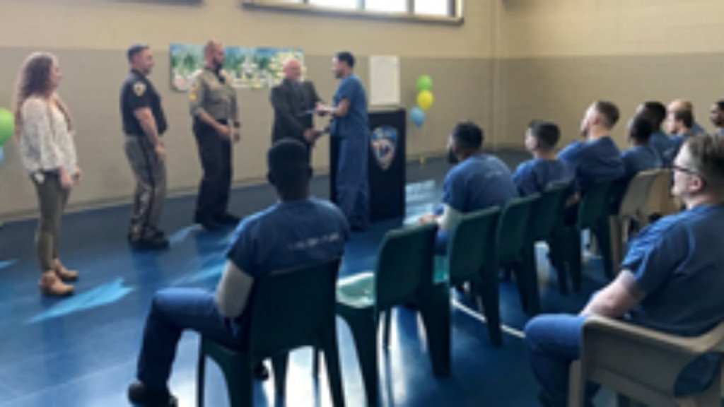 9 Dane County Jail inmates graduate from new incarcerated parents program