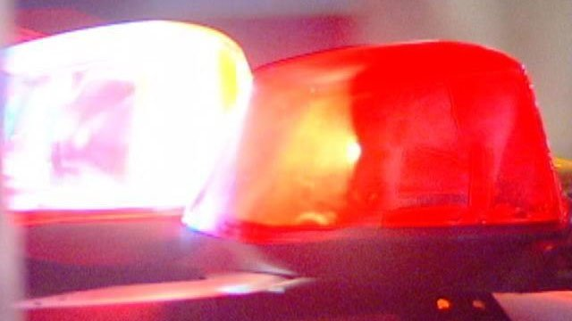 Janesville police arrest man found walking on roof