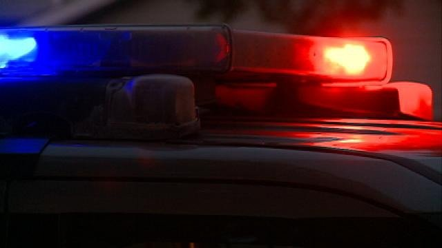 1 dead, 1 wounded in exchange of gunfire; Suspect at large, Oshkosh PD says
