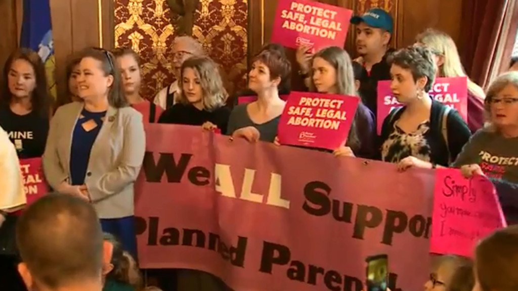 Lawmakers introduce bill to repeal Wisconsin law criminalizing abortions