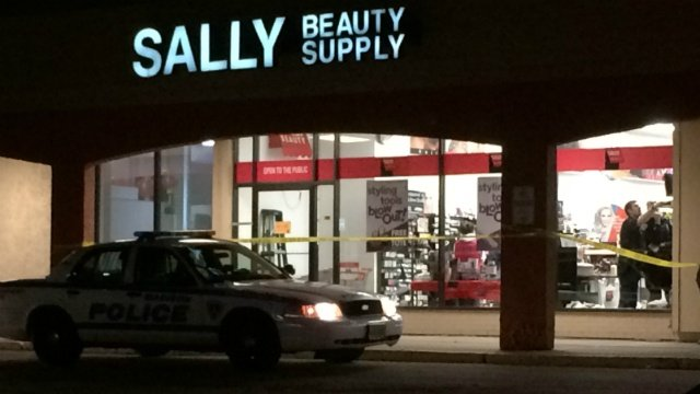 Man with nylons covering face robs beauty supply store, police say