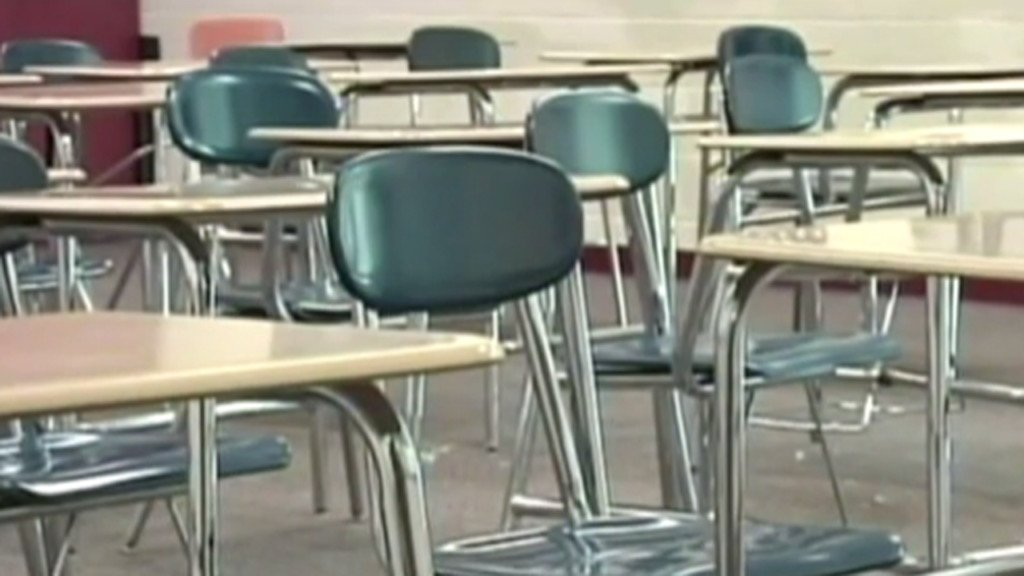 Ceiling collapse cancels classes at Manitowoc high school