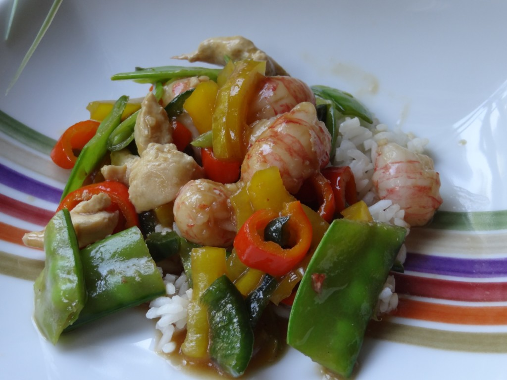 Donna's shrimp with peppers, pea pods and peanuts