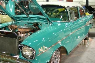 Online shopping hurts part sales at Wis. car show