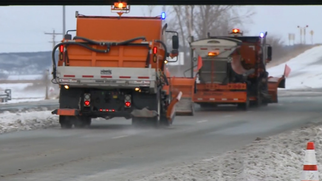Madison street crews prepare for potentially slippery morning commute