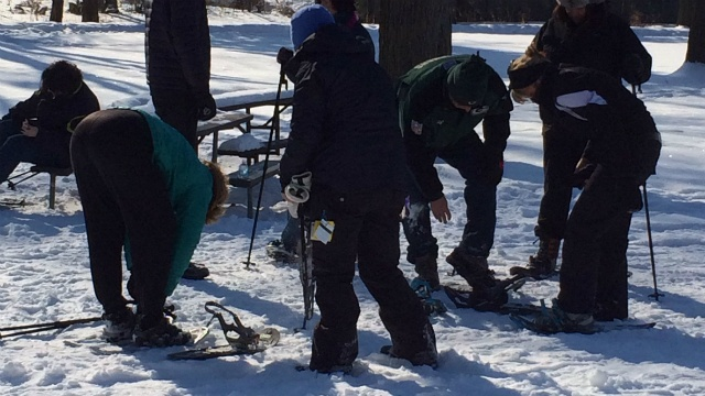 Snowshoeing event raises money for zoo exhibit