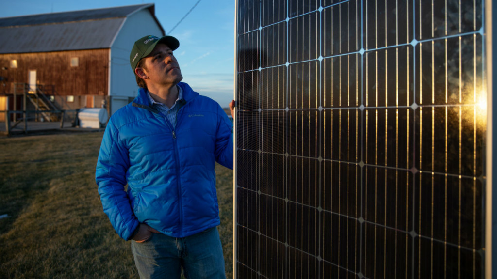 Massive Wisconsin solar proposal splits farmers and clean energy fans