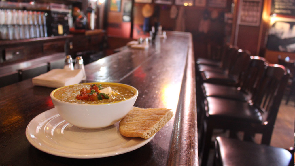 Meatless Madison: Weary Traveler's mulligatawny stew