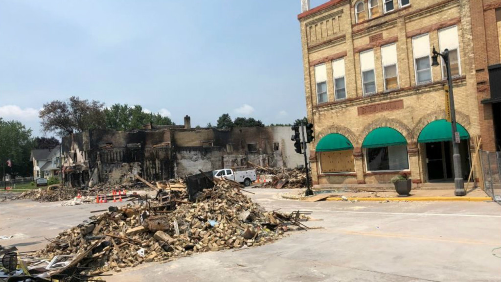 Four months after deadly explosion, Sun Prairie city leaders, businesses celebrate grand reopening