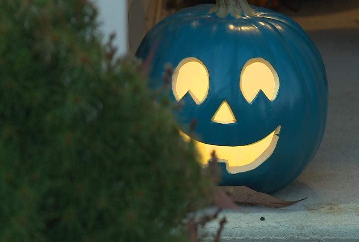 Teal pumpkins make trick-or-treating safer