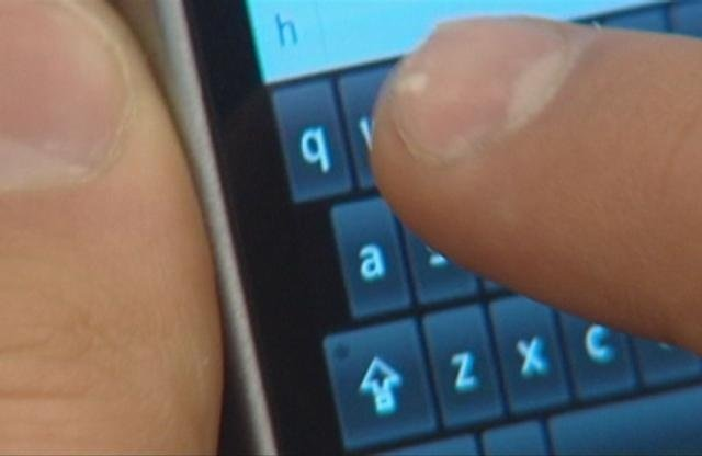 Report highlights dangers of texting while walking