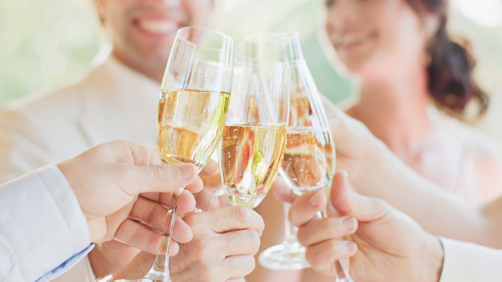 Roach: 10 rules for perfecting wedding toasts
