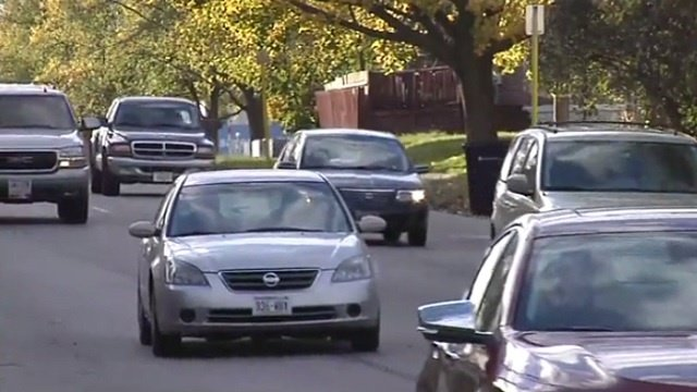 Low gas prices boosting numbers of holiday travelers