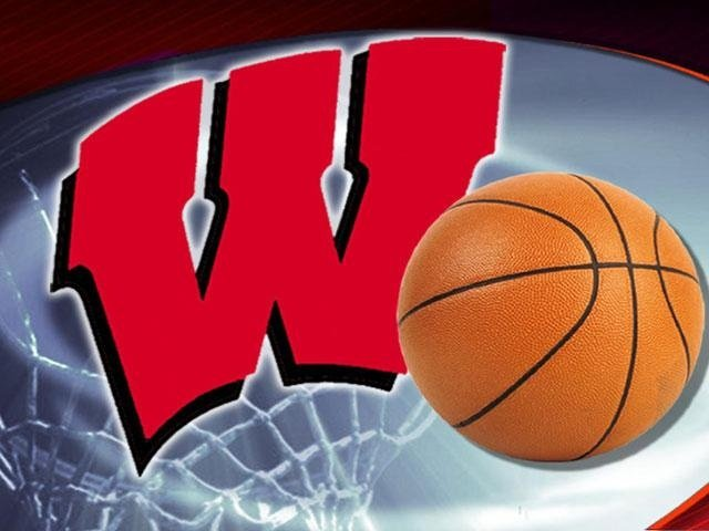 Fans get first look at 2014-2015 Badgers