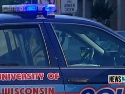 Police: UW-Madison student robbed while studying in library