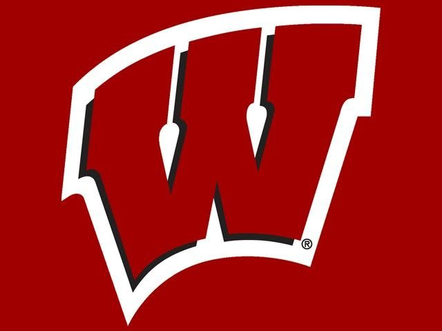 Wisconsin Football departs for Houston