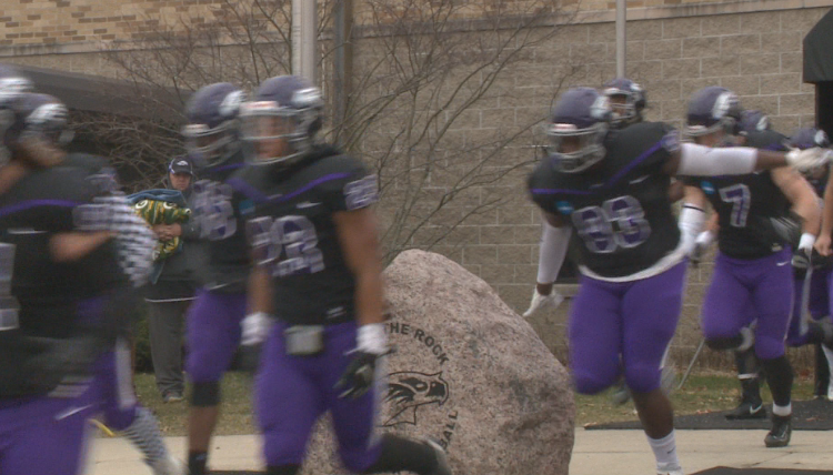 UW-Whitewater holds off St. John's, advances to title game
